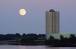 上升的月亮 库存图片