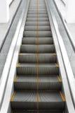上升的自动扶梯 免版税库存照片