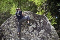 上升的结岩石系住二 库存图片
