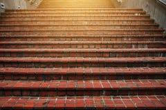上升至光的台阶 免版税库存照片