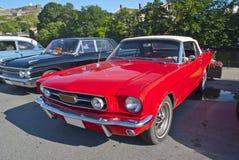 上午汽车会议halden (Ford Mustang) 免版税库存图片