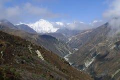 登上卓奥友峰Gokyo谷尼泊尔 免版税库存图片