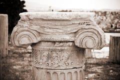 上城在帕台农神庙废墟附近的古老雅&# 免版税库存照片