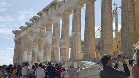 上城的帕台农神庙,在雅典,希腊,有脚手架的 库存照片