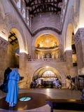 登上塔博尔,以色列, 2015年7月10日:在Tra的教会里面 库存照片