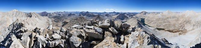 登上尤利乌斯・凯撒山顶全景 免版税图库摄影