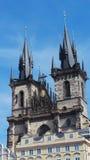 上帝的母亲教会在Týn前面的 免版税库存图片