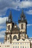 上帝的母亲教会在Tyn,布拉格前的 库存图片