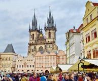 上帝的母亲教会在Tyn,布拉格,捷克前的 免版税库存照片