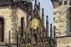 上帝的母亲教会的片段在Tyn前面的 图库摄影