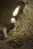 上帝, Prohodna洞,保加利亚的眼睛 库存图片