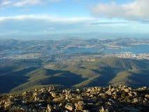 从登上惠灵顿,塔斯马尼亚岛,澳大利亚的看法 免版税图库摄影