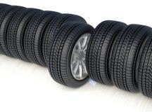 上流在白色背景的detaled冬天轮胎 库存图片