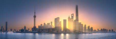 上海地平线日出视图与阳光的 库存图片