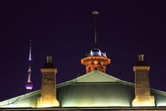 上海大厦的夜视图 免版税库存照片