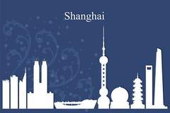 上海市在蓝色背景的地平线剪影 免版税库存图片