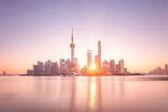 上海日出 免版税库存照片