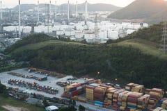 上海黄昏的,一集装箱码头最大的货物口岸在世界上 免版税库存照片
