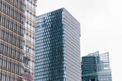 上海,中国- 2018年1月15日:一个现代摩天大楼的门面的细节由玻璃和钢特写镜头制成 免版税图库摄影