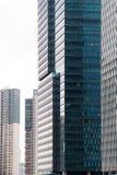 上海,中国- 2018年1月15日:一个现代摩天大楼的门面的细节由玻璃和钢特写镜头制成 免版税库存照片