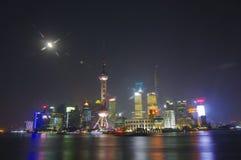 上海- 11月15.2013上海地平线在夜,中国,障壁在上海 免版税库存照片