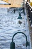 上涨的水在大瀑布城 图库摄影