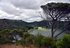 登上甘比尔Valley湖是一颗暗藏的宝石 免版税库存图片