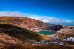 登上皂市,日本火山火山口  免版税库存照片