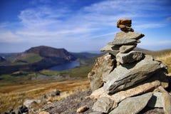 从登上的岩石堆snowden 图库摄影