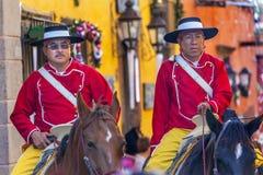 登上的警察Jardin镇中心圣米格尔德阿连德墨西哥 免版税图库摄影