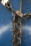上的链锁定边路  免版税图库摄影