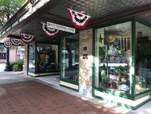 上船桅大街的百货商店位于哥伦比亚,南卡罗来纳 免版税图库摄影