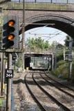 上色在空的双磁道铁路线的信号 免版税库存照片