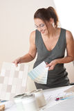 上色设计员女性内部样片工作 库存图片