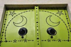 上色详细资料不同的门绿色突尼斯 免版税库存图片
