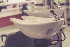 上色,漂白的美容院Climazon, perming和护发 库存图片