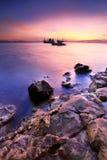 上色黑暗水平的自然照片海运日出 免版税图库摄影