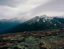登上艾森豪威尔,总统范围,白色山国家森林,新罕布什尔山顶  图库摄影