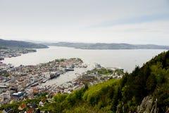 从登上观看的卑尔根港口Floyen 免版税库存照片