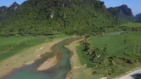 上部在不尽的高地谷的看法新的河桥梁 影视素材