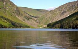 上部湖在Glendalough爱尔兰 免版税库存图片
