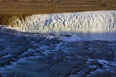 上部金黄秋天,古佛斯瀑布瀑布,冰岛。 库存图片