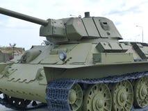 上部Pyshma,俄罗斯- 2016年7月02日:苏联中型油箱T-34-76 mod 1942 - 军用设备博物馆的展览  免版税库存照片