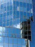 给上釉的摩天大楼;反射 库存照片