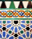 给上釉的瓦片,城堡王宫在塞维利亚,西班牙 免版税库存照片