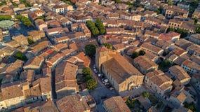 从上面布拉姆中世纪村庄空中顶视图,南法国 库存照片