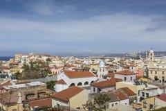 从上面干尼亚州市白色房子的看法,克利特, Greec 库存照片