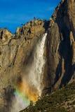 上面的优胜美地瀑布 免版税库存照片