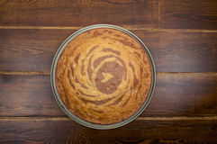 从上面的斑马蛋糕 免版税库存照片