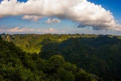 从上面的美好的山风景 免版税库存图片
